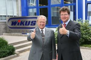 Daumen hoch: Wilhelm H. Kullmann und Dr. Jörg H. Kullmann leiten das Spangenberger Familienunternehmen.