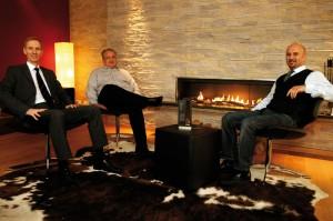 SVG-Geschäftsführer Martin Staudt, Autohof-Geschäftsleiter Michael Wiesmayr und Architekt Güner Kilic (v.l.) in der Lounge des neuen SVG-Autohofs Lohfeldener Rüssel. Foto: Mario Zgoll