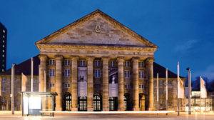 Neuester Säulenheiliger – Der neue Kolonnadenflügel des Kongress Palais
