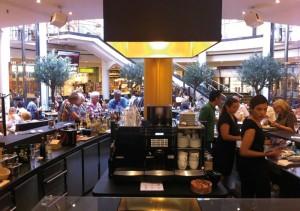 Blick in die neueröffnete Cosmo Bar in der Königs-Galerie. Foto: nh