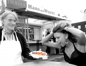 Edelboutique und Imbiss: Auch Hans Wurst zählt zu den vorgestellten Kult-Adressen. Foto: Mario Zgoll