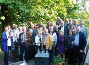 Stimmungsvoller Empfang im Grünen: Herzlich hießen die Rotarier vom Club Kassel-Hofgeismar ihre türkischen Freunde aus Izmir in Nordhessen willkommen. Foto: nh