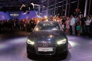 Im Mittelpunkt eines unterhaltsamen Abends: der neue Audi A3. Foto: Mario Zgoll