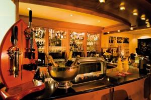 Lust auf einen Cocktail? Abends lässt man den Tag genüsslich in der Orange-Bar ausklingen. Foto: EKKOs