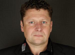 """Seit 14 Jahren schlägt Jens Jonssons Herz für die Kassel Huskies. """"Die Faszination für das Eishockey hat nicht mehr losgelassen"""", schwärmt der Nordhesse. Foto: nh"""