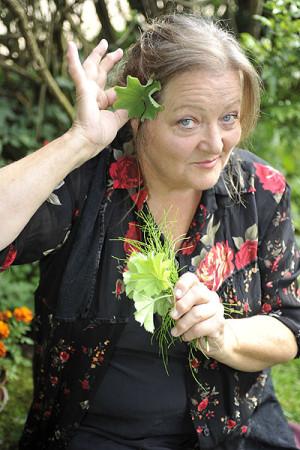 Mit einem guten Schuss Selbstironie erzählt Marianne Sägebrecht Anekdoten, Lebensweisheiten und lyrisch Provokantes. Foto: Kultursommer Nordhessen