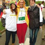 Freude nach dem Zieleinlauf: Thais Moline, Ria Ort und Susanne Koblischek (v.l.) liefen im Firmenmarathon für das Aschenbrenner-Team. Foto: nh