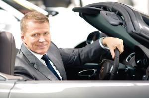 Das Porsche Zentrum möchte Riediger weiter nach vorne bringen.  In Sachen Kundenzufriedenheit unter die Top Ten in Deutschland. Foto: Mario Zgoll