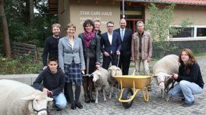 Star Care-Haus an Kinderbauernhof übergeben