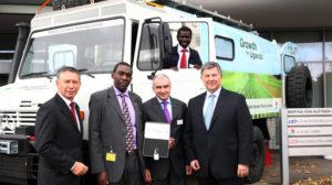 K+S KALI GmbH übergibt mobiles Schulungszentrum für Kleinbauern in Uganda