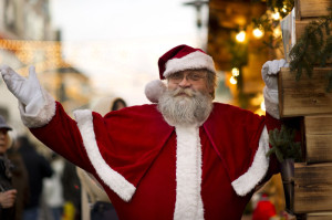 Immer gern gesehen: der Weihnachtsmann. Foto: Kassel Marketing GmbH
