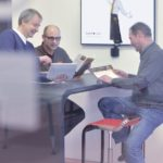 Mit den Kunden werden die Zielgruppen und Kommunikationsziele definiert, die Kommunikationsstrategie entwickelt und dann die einzelnen Maßnahmen für alle crossmedialen Anforderungen festgelegt. Foto: Thorsten Eschstruth