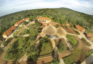 Das neue KSG-SolarCenter in Uganda. Foto: nh
