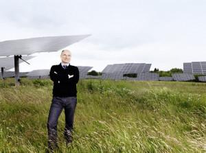 Ein Mann und eine Vision:  Als Geschäftsführer von deENet unterstützen Dr.-Ing. Martin  Hoppe-Kilpper und sein Team  regionale Projekte zum Ausbau der Erneuerbaren Energien  und zur Dezentralisierung der  Energieversorgung. Foto: nh