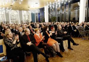 Begeistertes Publikum bei der feierlichen Verabschiedung. Foto: Mario Zgoll