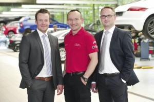 Leisten ausgezeichneten Service: Alexander Bieling, Heiko Holl und Teilediensleister René Häger (v.l.). Foto: Bernd Schoelzchen