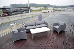Von der Dachterrasse  des Glinicke-Gebäudes  genießt man einen Rund- umblick auf die Strecke. Foto: Bernd Schoelzchen