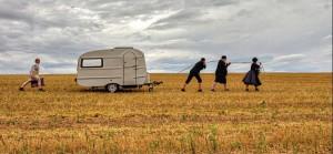 """Wenn eine Familie Urlaub macht: das Stück """"Gras"""" der niederländischen Autorin Esther Gerritsen. Foto: Aktionstheater Kassel"""