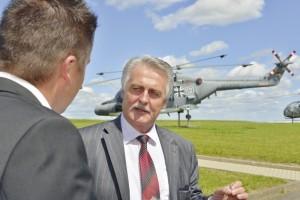 Dr. Konrad Joecks im Gespräch mit Bernecker-Chefredakteur Björn Schönewald (li.). Foto: Thorsten Eschsstruth