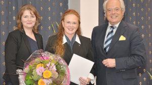 Dr. Sylvia Kernke erhält Professoren-Urkunde