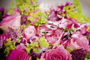 In der Kasseler documenta-Halle werden auch Juweliere auf alle Fragen zu neuesten Trends in Sachen Eheringe antworten und die Heiratswilligen beraten. Foto: pixabay.com