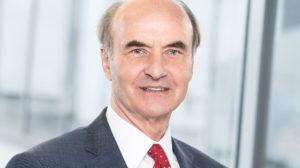 Dr. Erik Ehrentraut sitzt Aufsichtsrat der SMA vor