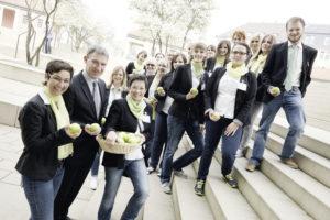 Freuen sich auf ihre Gäste: Regionalmanager Holger Schach (2. von links), Projektleiterin Bettina Ungewickel (links) und das Team des Regionalmanagements Nordhessen. Foto: nh