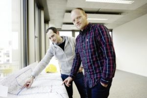 Full Circle Design heißt die Firma von Christof Binder (links) und Michael Neusüß. Sie freuen sich auf den  Einzug in den Science Park. Foto: Mario Zgoll