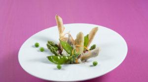 Risotto vom Hühnerfrikassee mit knusprigem Frühling und Blutwurst
