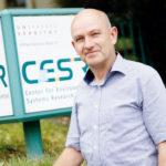 Andreas Ernst, Chef von SESAM, bittet herein. Foto: Mario Zgoll