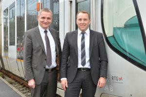 Thomas Wolf (li.) und Sven Möller bilden die neue Spitze der RegioTram-Gesellschaft mbH (RTG). Thomas Wolf übernahm diese Position am 1. Januar 2016, Sven Möller bereits im April 2015. Foto: RTG mbH