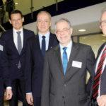 Hand in Hand haben sie den 5. Nordhessischen Außenwirtschaftstag möglich gemacht: Die beiden Sponsoren Sebastian Schlegel (Creditreform Kassel Dr. Schlegel KG / links) und Mario Murawski (MRH Mesterheide, Kassel / Mitte) und die Gastgeber Norbert Claus (IHK Kassel-Marburg / rechts), Christoph Külzer-Schröder (Außenwirtschaftsform Nordhessen / rechts, 2. v.r) und Dr. Constantin H. Schmitt (stellvertretender  Vorsitzender des IHK Außenwirtschaftsausschusses / 2. v. links). Nordhessischer Außenwirtschaftstag International. Foto: Kothe