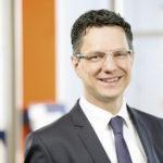 Bei den vier Filialen der Sparda-Bank Hessen in und um Kassel beraten Sie Filialdirektor Ulf Penker und sein Team kompetent in allen Fragen der Baufinanzierung – einschließlich Modernisierung, Bausparen und staatlichen Fördermöglichkeiten. Foto: Sparda