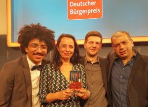 Wurden beim Deutschen Bürgerpreis 2016 ausgezeichnet: David Zabel, Sabine Pach, Willi van den Berg und Mustafa Gündar (im Bild von links). Foto: Stadt Kassel