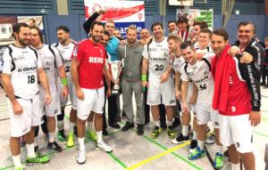 Das MT-Team freut sich über den Sieg im Salming-Cup. Foto: Bernd Kaiser