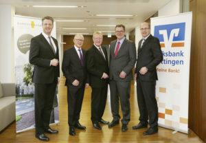 Wolfgang Osse (Kasseler Bank), Volker Stern (Kasseler Bank), Martin Schmitt (Kasseler Bank), Markus Bludau (Volksbank Göttingen), Hans-Christian Reuß (Volksbank Göttingen) (v.l.). Foto: Kasseler Bank
