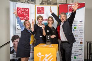 Freude bei der Preisverleihung in Berlin: Natalie Strahl (Personal), Elena Bremora (Personal), Stéphanie Naujock (Leitung Personal & Prokura), Kai Reinhard (CEO) (v.l.). Fotos: nh
