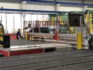 Das nordhessische Unternehmen hat sich auf die Produktion von hochdämmendem Mehrscheiben-Isolierglas spezialisiert. Foto: © wissenschaft.hessen.de