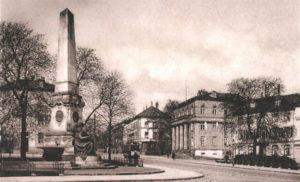 Siegerentwurf eines Wettbewerbs von 1895: Der Obelisk zur Erinnerung an die Einigung Deutschlands 1870/71, entworfen von Carl Begas, Professor an der Kasseler Kunstakademie. Foto: Privatarchiv
