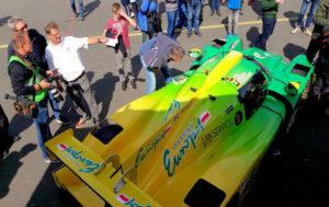 Historische Formelfahrzeuge sind beim Flugplatzrennen in Calden genauso live zu erleben ...
