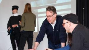 """Virtuelle Realität und """"Online Educational Initiatives"""""""